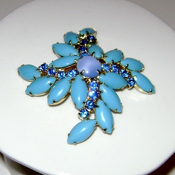 Juliana Brooch