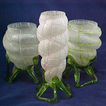Kralik Shell Vases in a Meteor Decor... - Art Glass