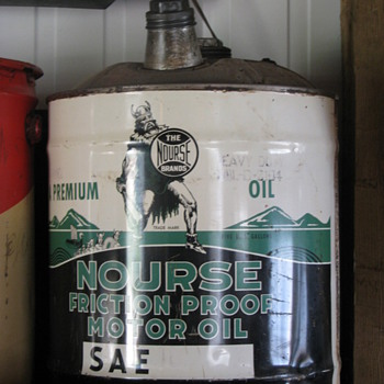Nourse Oil can - Petroliana
