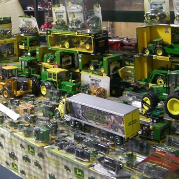 Doug Handwerk diecast collection 3: trucks, tractors