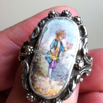 Salvage enamel on antique ring. - Fine Jewelry