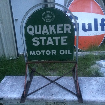 Quaker State Motor Oil (Tombstone sign) with sidewalk frame 1976. - Petroliana