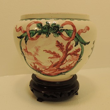 Sceaux Soft Porcelain - Late 18th Century - China and Dinnerware