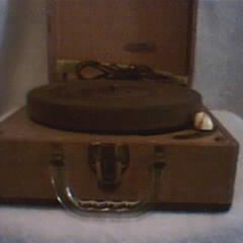 Vintage Mitchell Record Player,plays 33 1/3 45 And 78