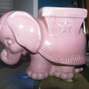 Vintage pink elephant planter - Animals