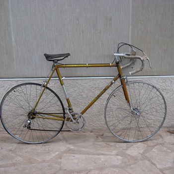 Vintage MOTOCONFORT Road Bike, has English tag from factory, very light, painted gussets, stitched tires, original seat 