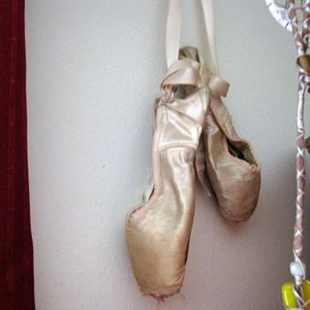 1960's Capezio Ballet Shoes - Shoes