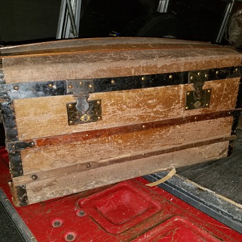 late 19th century trunk