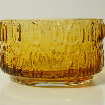 Amber Wedgwood Art Glass Center Piece.20 Century