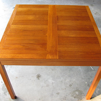 Danish Modern Teak Dining Table by Vejle Stole-og mobelfabrik