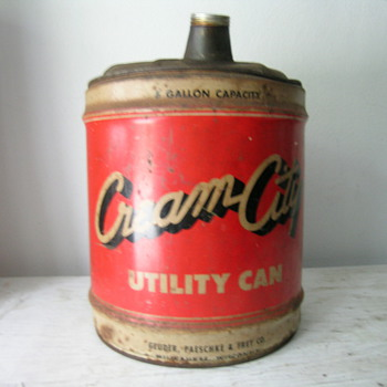 5 Gallon Utility Can ( Cream City ) Milwaukee, WI - Petroliana