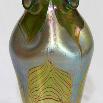 Loetz Phanomen Vase, Signed