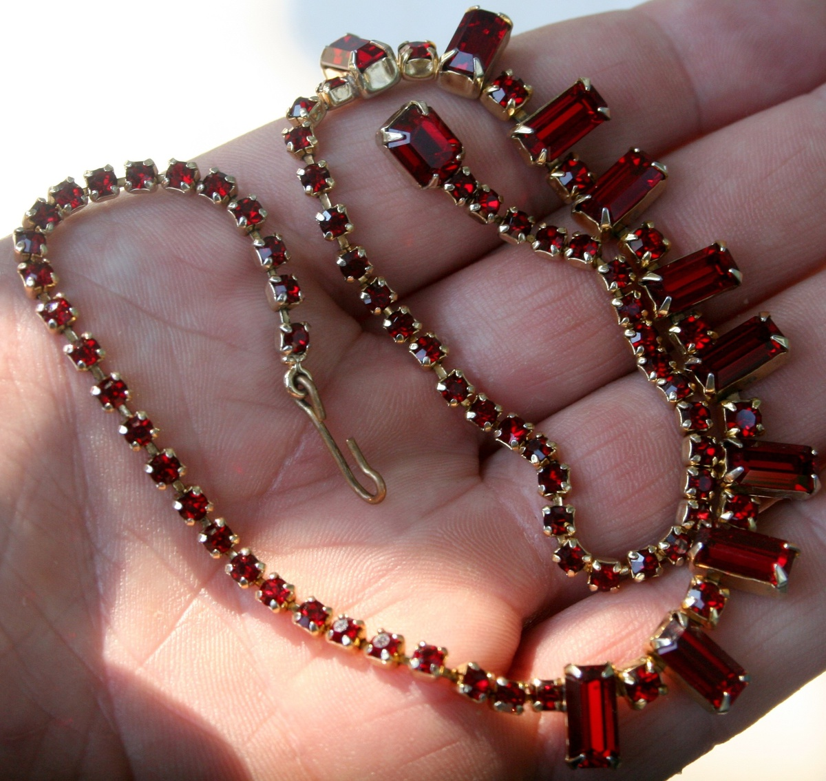 Vintage weiss costume jewelry