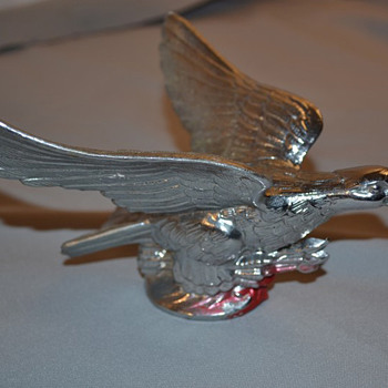 Bird Hood Ornament - Art Deco