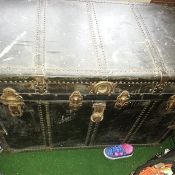 Trying to find out the time era of this trunk - Furniture