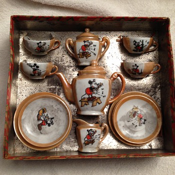 Steamboat Willie Tea Set (Pussy Willow) 1928 - China and Dinnerware