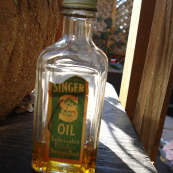 SINGER OIL  - Bottles