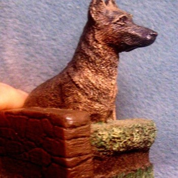 AUS BEN BRONZE GERMAN SHEPHARD DOG  by Charles Earnhardt.c 1970