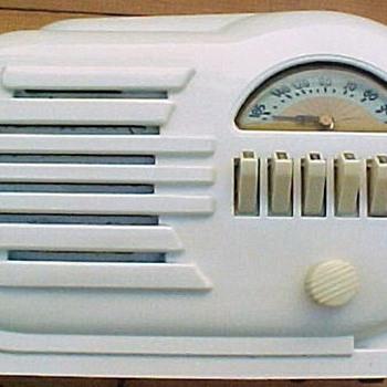 1946 Belmont Model 6D-111 Radio - Radios