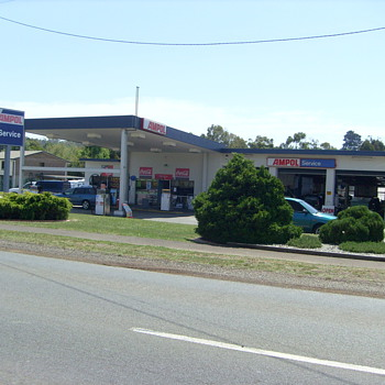 THE LAST AMPOL SERVICE STATION IN AUSTRALIA?