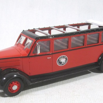 White Motor Co Glacier Park Bus - Model Cars