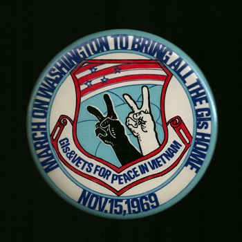 Nov.15,1969 GIs & Vets for Peace pinback button