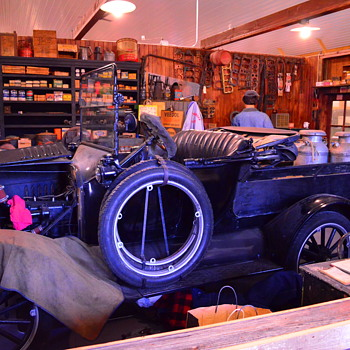 Early 20th Century Garage - Classic Cars