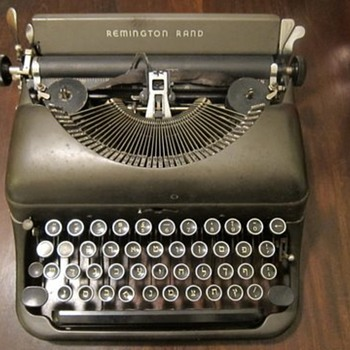 Hebrew keys - Remington Rand typewriter - Office