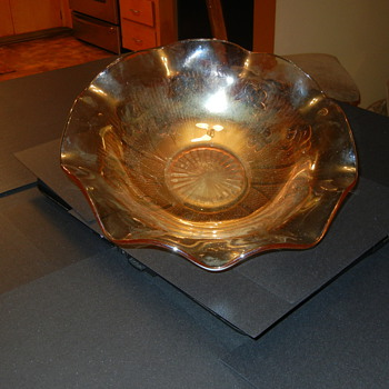 Carnival glass? or just a pretty Peach color scalloped bowl? - Glassware