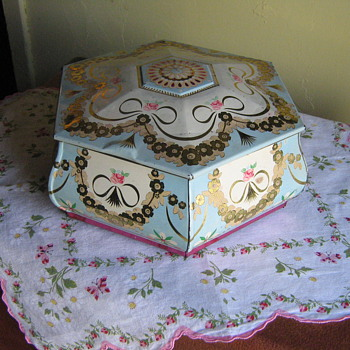 Pretty Shabby Chic Tin - Kitchen