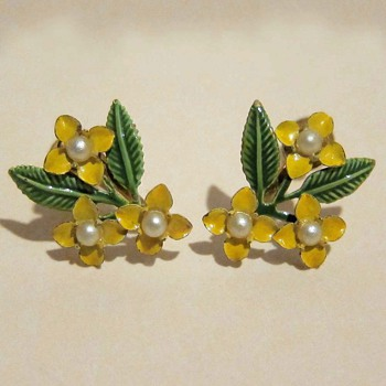 Antique Screw-back Floral Earrings