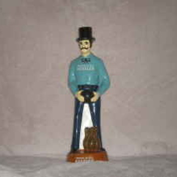 Kessler Bowling Advertistment Figurine Man in Top Hat!! - Figurines
