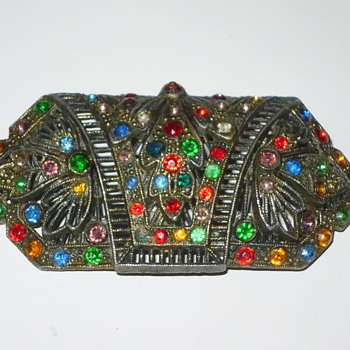 help identify Antique Brooch