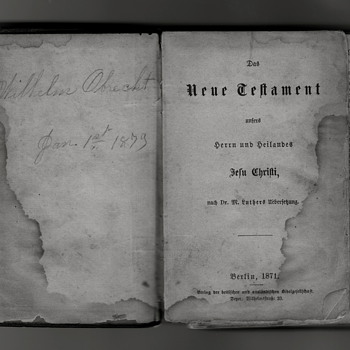 Family German Bible - Books
