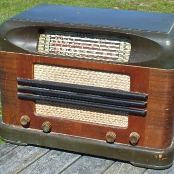 Wood Radio - PHILCO - Model 732 - Radios