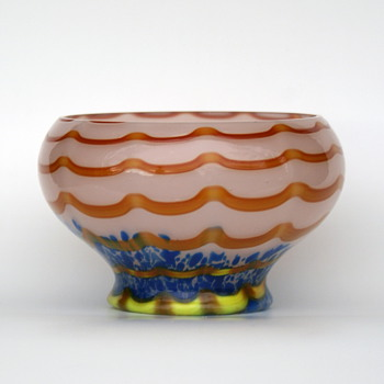 Kralik Wave with spots Bowl - Art Glass