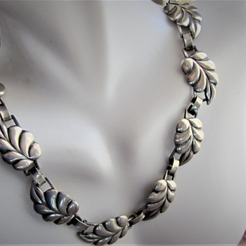 MYSTERY EAGLE MARK FINE LEAF REPOUSSE CHOKER NECKLACE  - Fine Jewelry