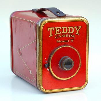 "Teddy Camera Model ""A"" - Cameras"