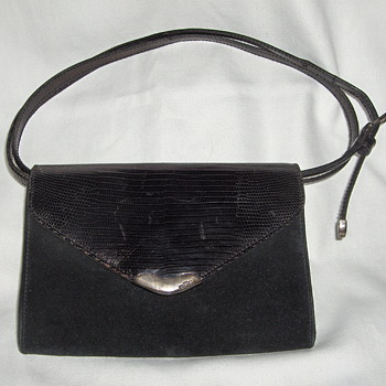 A FAKE Black Suede, Metallic Leather, Faux Sterling Clasp Signed RALPH LAUREN Clutch Purse 1980's - Bags