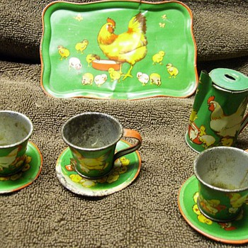 Thursday Thrifts ? -- Litho Tin Play Set (( 3/of 3 Finds )) - Toys
