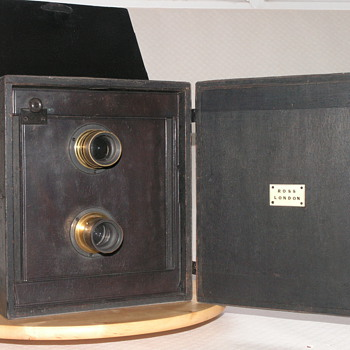 Ross, London Portable Divided Camera, 1890. - Cameras