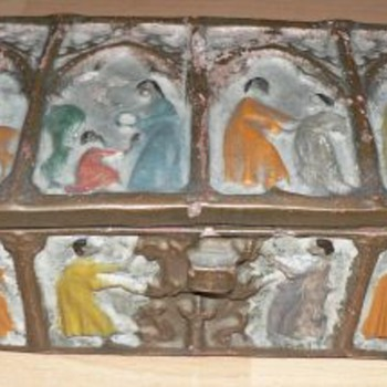 1900s Folk Art Clay Box 