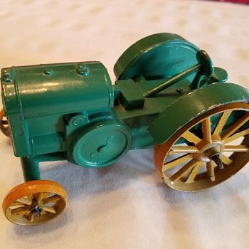 """John Deere Model """"D"""" Kansas Toy and Novelty Co"""