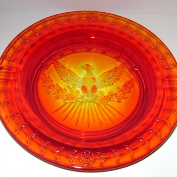 L.E. Smith Glass Eagle and Stars Ashtray