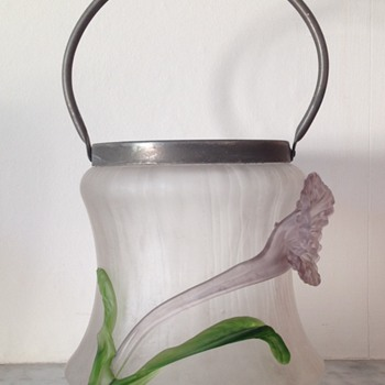 Kralik soie de verre ice bucket with applied flower and leaves - Art Glass