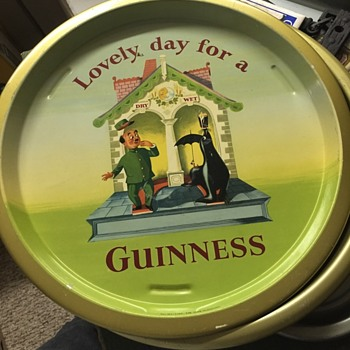Guinness tray made in England - Breweriana