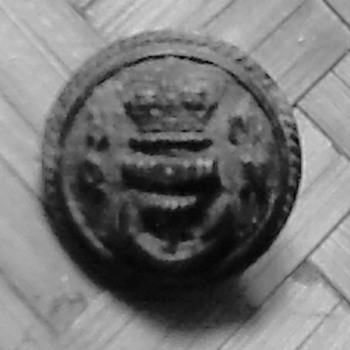 A Fav. Vintage/Antique? Naval Button - Military and Wartime