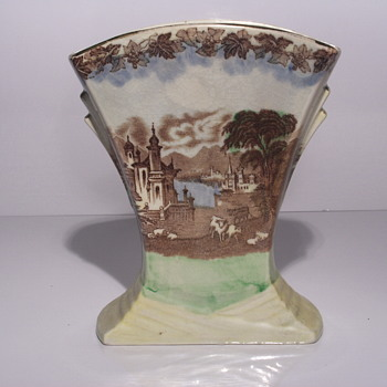 "Post 2/4  07-11''Miling England, Art Nouveau Fan Vase""1920-40 - Art Pottery"