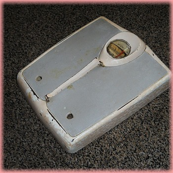 Vintage - 1950's TECO BATHROOM SCALE