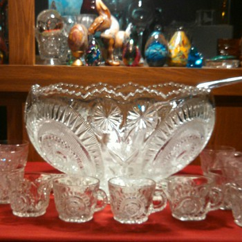 "Colony Glass ""Stars and Pinwheels"" 19 pc  Punchbowl set - Glassware"